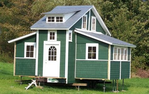Tiny Mobile House Expands To 420 Square Feet At First Expandable Tiny House