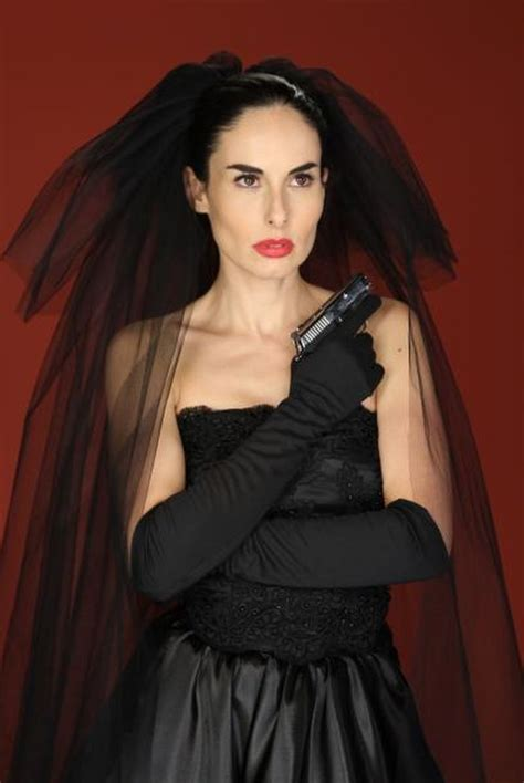 la viuda tv archives girls with guns
