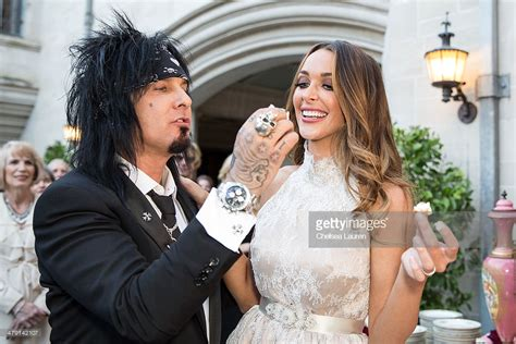 nikki sixx and courtney bingham nikki sixx and courtney bingham wedding getty images