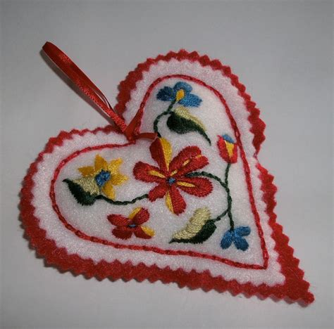 christmas heart embroidered felt tree ornament