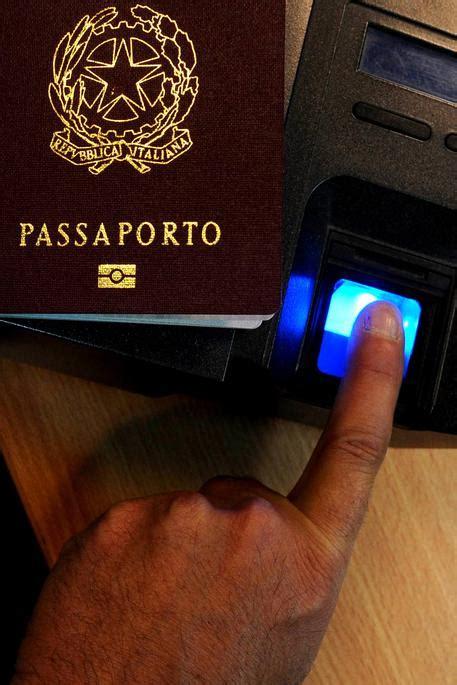 consolato tunisia genova no a duplicato passaporto si cuce bocca liguria ansa it