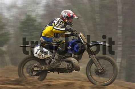 Motorrad Transport Mit Fahrer by Moto Cross Fahrer Runterladen Leute
