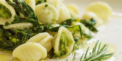 cucinare cime di rapa ricette cime di rapa 10 ricette per tutti i gusti greenme