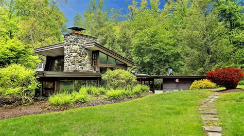 3 frank lloyd wright houses you can buy right now photos 3 frank lloyd wright usonia community homes you can buy