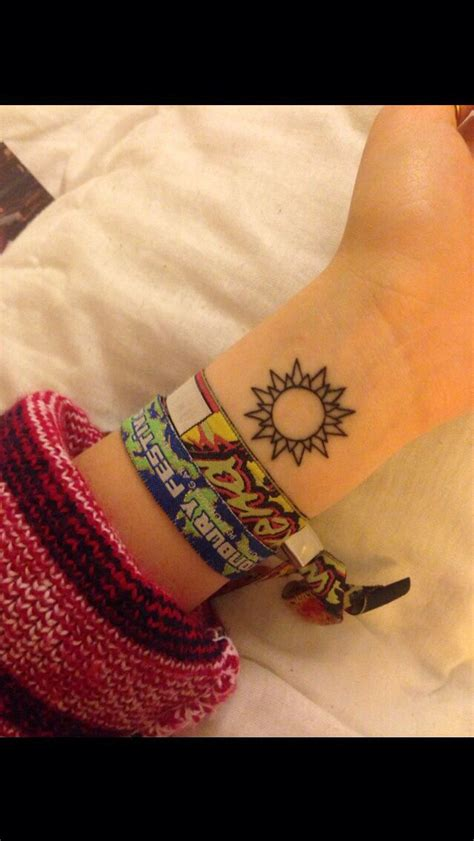 cute sun tattoos best 25 sun designs ideas on