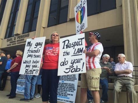 Marriage Records Pensacola Fl Ky Clerk Jailed Won T Let Deputy Clerks Issue Marriage