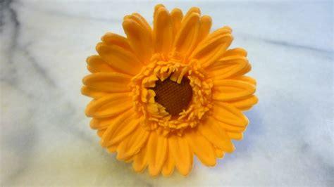 pasta di zucchero fiori passo passo fiori in pasta di zucchero gerbera tutorial sugarpaste