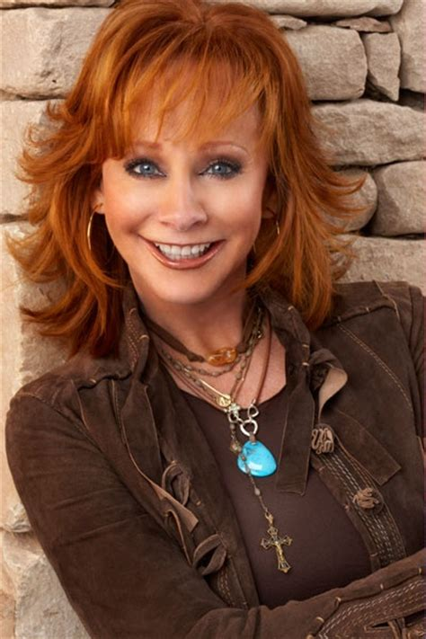 pics of reba mcintyre in pixie hair style 1000 ideas about reba mcentire on pinterest country