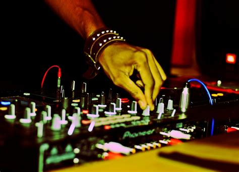 deep house music djs 338 best images about dub dj on pinterest dj equipment flight facilities and skrillex