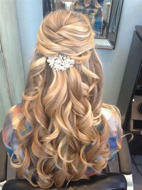 prom downdo hairstyle inspiration for 2016 penteados para madrinha de casamento enoivado