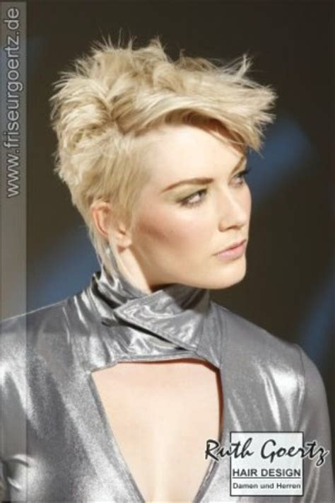 hair styles with your ears cut out short pixie hairstyle with spikes and the sides cut around