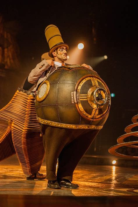 Cabinet Des Curiosités by 35 Photos From Cirque Du Soleil S Kurios In Toronto