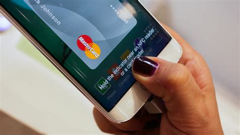 R Samsung Pay Samsung Pay Vs Apple Pay There S A Difference Cnet