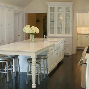 white kitchen island with seating best 25 kitchen center island ideas on blue