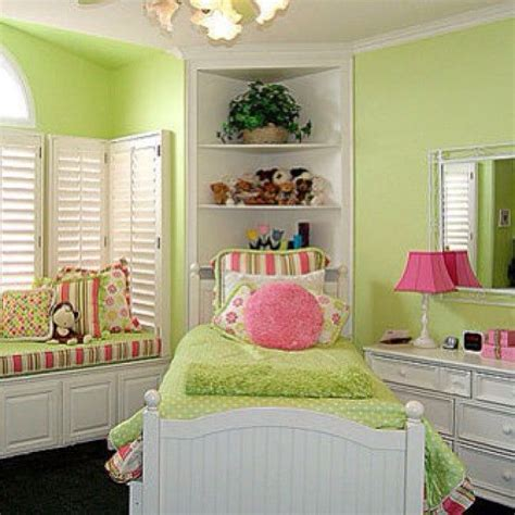 Lime Green Bedroom Ideas by 1000 Ideas About Lime Green Bedrooms On Green