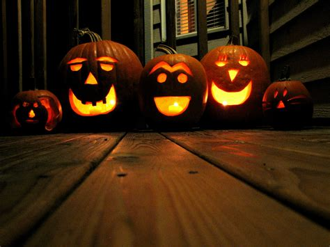 pumpkin lanterns deck the s tips for keeping your o lantern