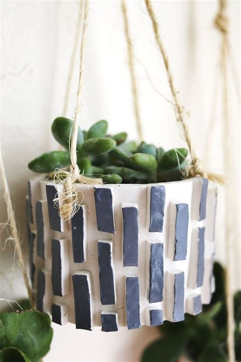 make your own hanging planter 17 best ideas about clay planter on pinterest hanging
