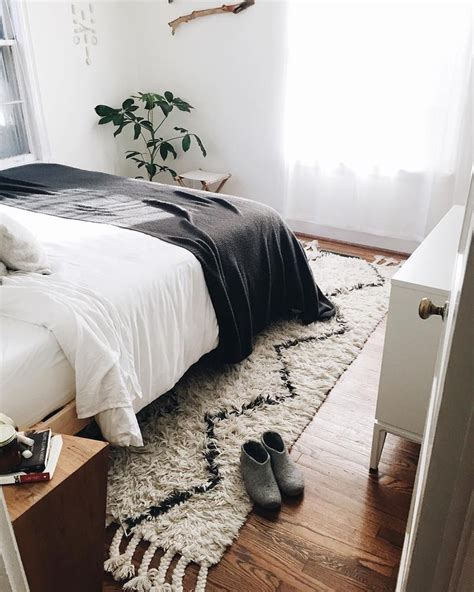 simple bedroom pictures 25 best simple bedrooms ideas on pinterest