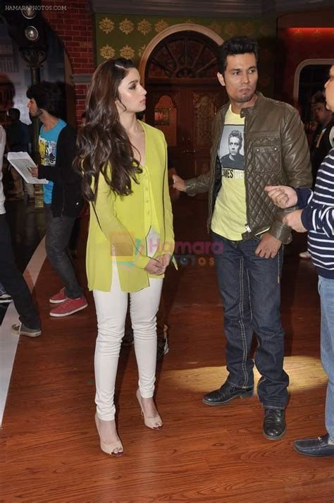Kb Alia Set alia bhatt randeep hooda on the sets of comedy nights with kapil in mumbai on 16th feb 2014