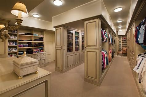 Closet House by 55 Fabulous Unisex Walk In Closet Designs