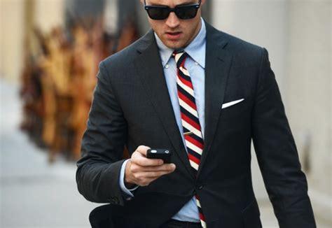 Blazer Pria Hugo Black aturan memakai jas bagi pria