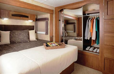 in the bedroom trailer jayco eagle 3330 rlts for the long haul