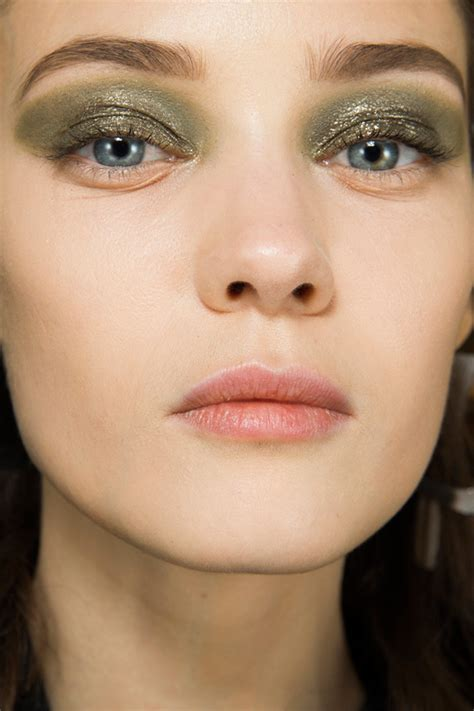 Fall Makeup Trends Gray Shadow by The Most Wearable Makeup Trends For Fall 2014 Blush Beyond