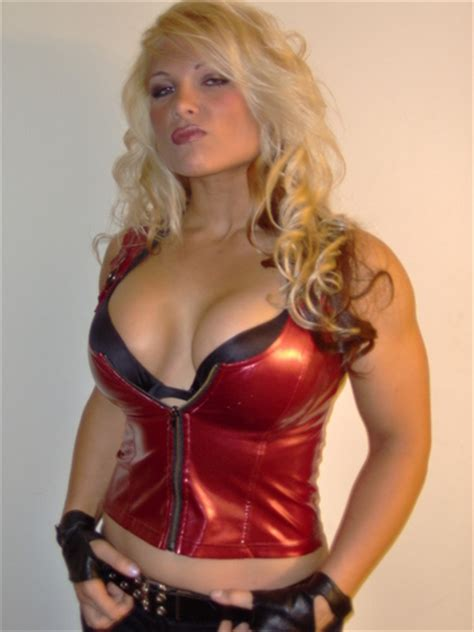 wwe hot beth all about sports wwe beth phoenix hot pictures