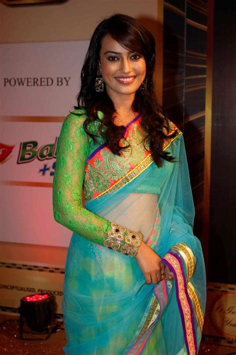 surbhi jyoti in saree surbhi jyoti of zee tv s qubool hai walks the gold carpet