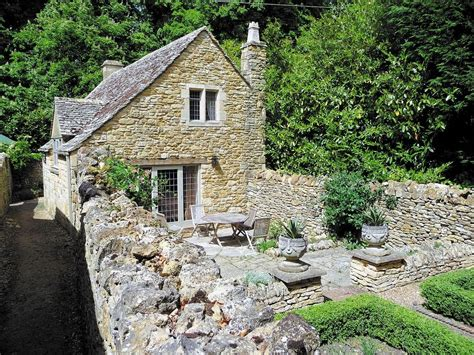 Shepherds Cottage by Shepherds Cottage 2 Bedroom Property In Chipping Cden