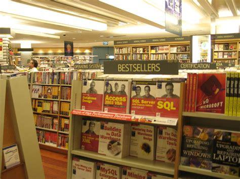 Rak Buku Murah Kuala Lumpur konsep kedai buku negara jepun di kinokuniya malaysia