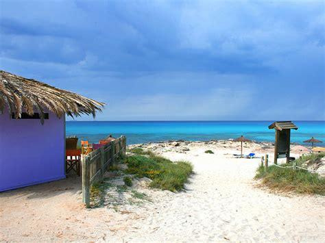 appartamenti sulla spiaggia formentera the beaches of formentera casa de formentera inmobiliaria
