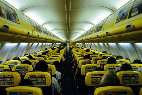 aerei ryanair interni gaia giappichelli