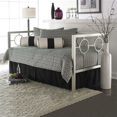 Daybed With Pop Up Trundle Bed Fashion Bed Astoria Metal Daybed In Chagne Finish With Pop Up Trundle B10058 450029 Pkg
