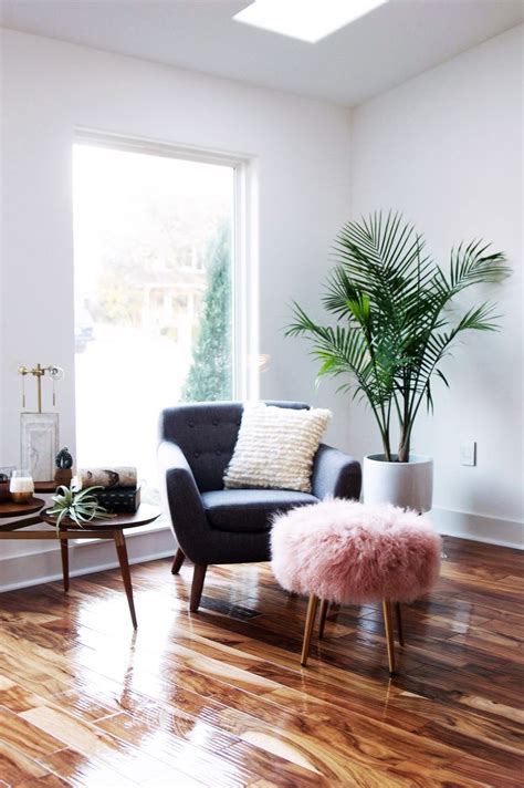 Lounge Chair For Reading Design Ideas Best 25 Cozy Corner Ideas On Pinterest Wall Decor Master Bedroom Howard House And Chair And