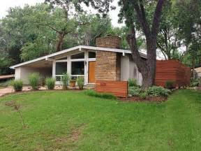 Mid Century Modern Ranch House by Mid Century Modern Ranch Renovation Current Owners Re