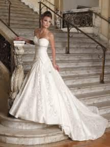 Wedding Invitations Near Me How To Find A Cheap Wedding Dress Weddingelation