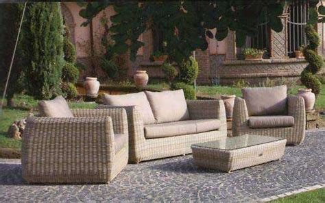 mobili da giardino in vimini mobili lavelli poltrone in vimini da giardino prezzi