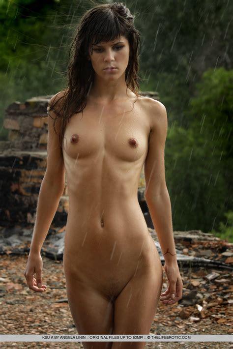 Ksu A In Rain By The Life Erotic 16 Photos Erotic Beauties