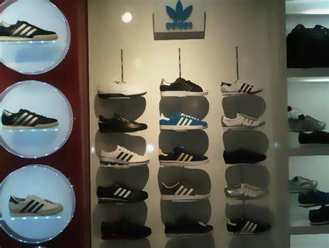 Adidas Cafler forum istanbul avm superstep ma茵azas莖 avm gezg莢n莢