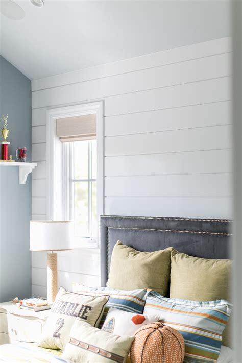 Accent Shiplap Wall California Cape Cod Home Design Home Bunch Interior