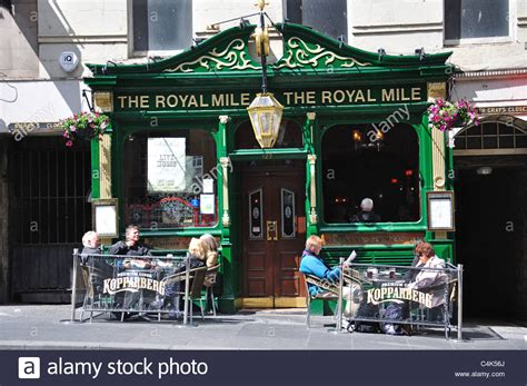 royal milecom the royal mile shops restaurants pubs the royal mile pub royal mile old town edinburgh