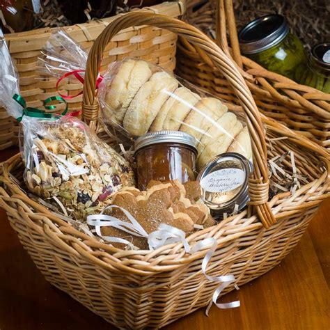 breakfast gift basket best 25 breakfast gift baskets ideas on