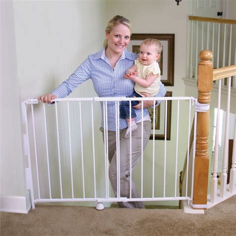 Best Baby Gate For Top Of Stairs With Banister by Top Of Stairs Baby Gate Picture Top Of Stairs Baby Gate