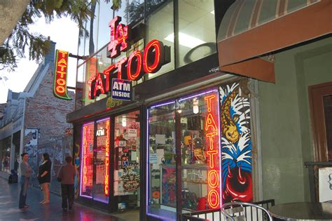 tattoo parlors three stabbed outside park labrea news