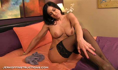 Jerk Off Instructions Making Step Mommie Kendra Feel