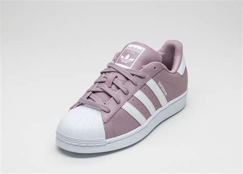 Adidas Supertar Classic B W adidas superstar w blanch purple vintage white