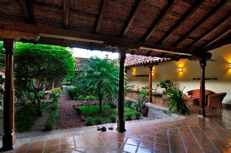 Hotel Patio by Hotel R Best Hotel Deal Site