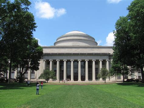 Mit Harvard Mba Ms by File Mit Building 10 And The Great Dome Cambridge Ma Jpg