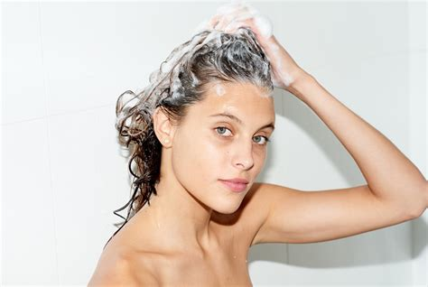 how to wash your hair in the how to wash your hair properly